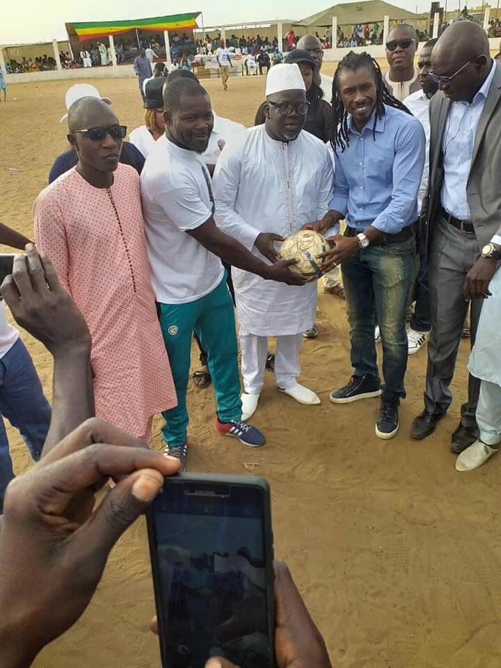 ndoye-bane-1 🔴Urgent - Il rencontre Ndoye Bane et Aliou Cissé et meurt quelques heures plus tard (9 photos)