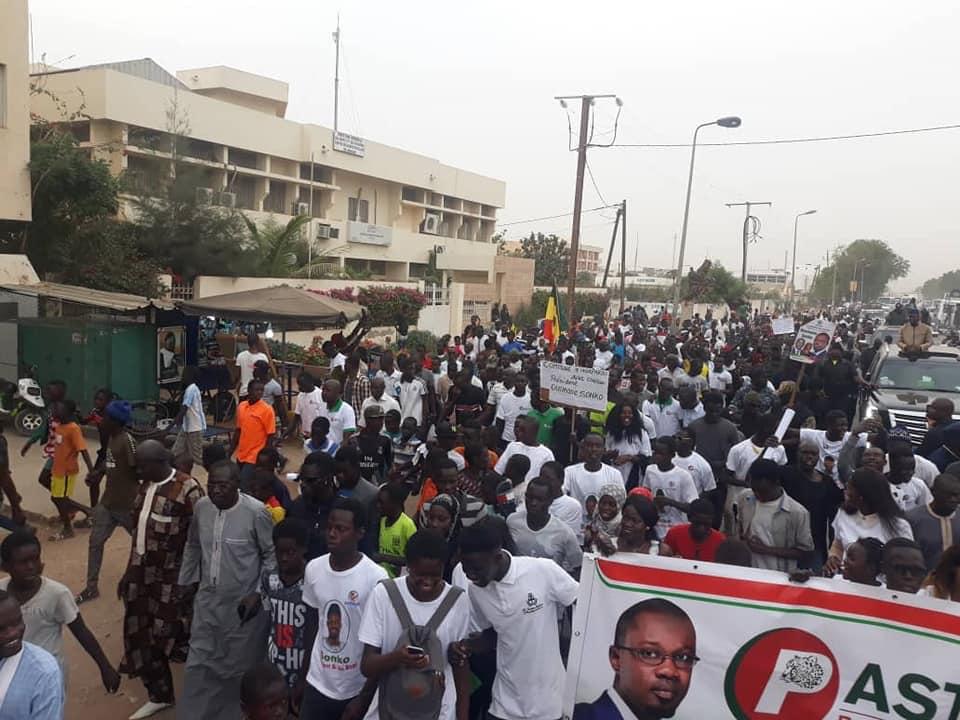 Ousmane-SONKO-14-3 En image, la grande mobilisation de Ousmane Sonko à Mbour !