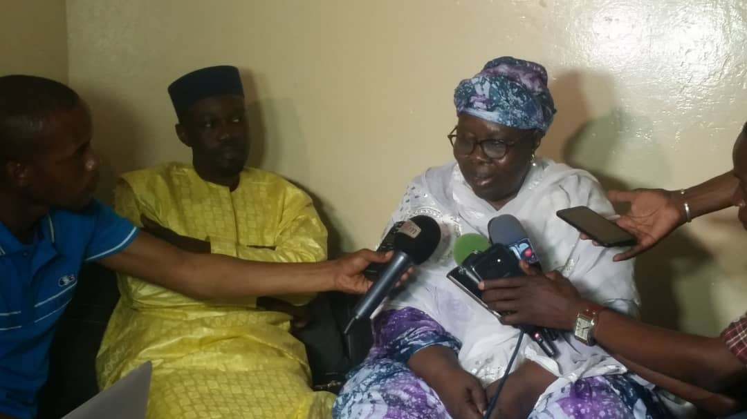 ousman-sonko-2 Violence électorale: La mère de Ousmane Sonko à son fils : « Mako Yaar Ak Sama Loxo »