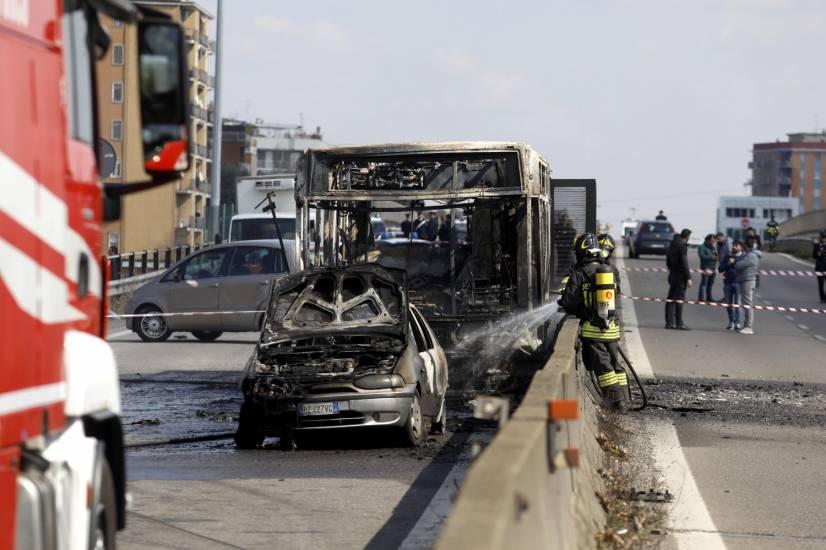 092cd3276e7f54600b3d9375e13d8640 Qui est Ousseynou Sy, le chauffeur sénégalais qui a incendié le bus qui transportait des écoliers ?