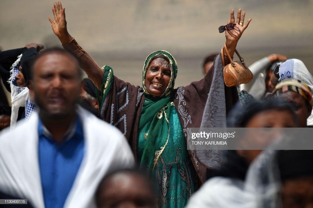 Ethiopian-Airlines-10-2 (28 Photos) Crash Ethiopian Airlines : Les familles des victimes sur les lieux de l'accident pour rendre hommage à leurs proches disparus.