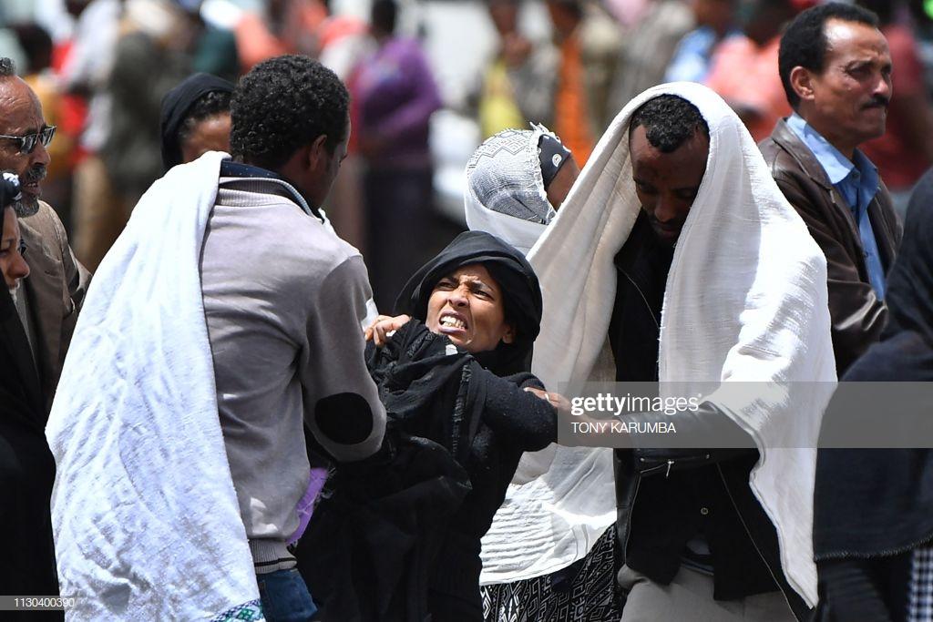 Ethiopian-Airlines-12-1 (28 Photos) Crash Ethiopian Airlines : Les familles des victimes sur les lieux de l'accident pour rendre hommage à leurs proches disparus.