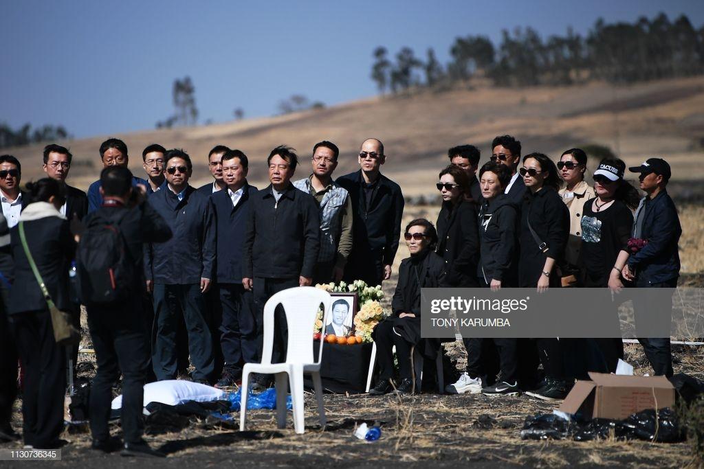 Ethiopian-Airlines-15 (28 Photos) Crash Ethiopian Airlines : Les familles des victimes sur les lieux de l'accident pour rendre hommage à leurs proches disparus.