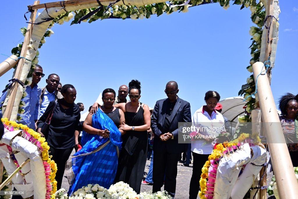 Ethiopian-Airlines-16 (28 Photos) Crash Ethiopian Airlines : Les familles des victimes sur les lieux de l'accident pour rendre hommage à leurs proches disparus.