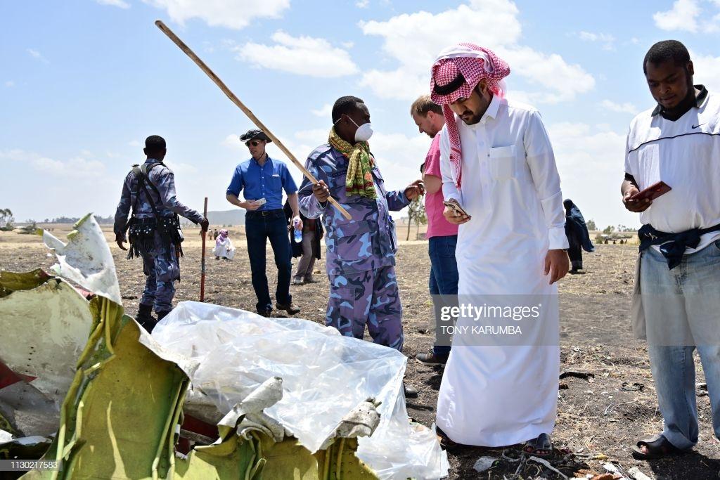 Ethiopian-Airlines-2-3 (28 Photos) Crash Ethiopian Airlines : Les familles des victimes sur les lieux de l'accident pour rendre hommage à leurs proches disparus.