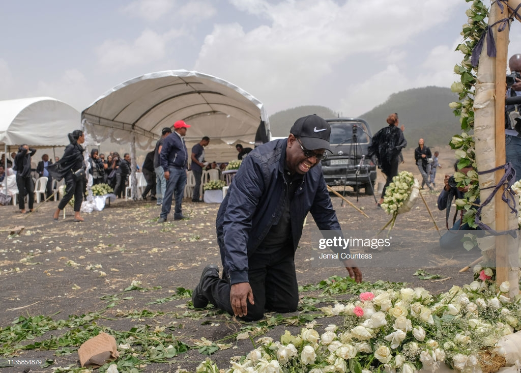 Ethiopian-Airlines-23 (28 Photos) Crash Ethiopian Airlines : Les familles des victimes sur les lieux de l'accident pour rendre hommage à leurs proches disparus.