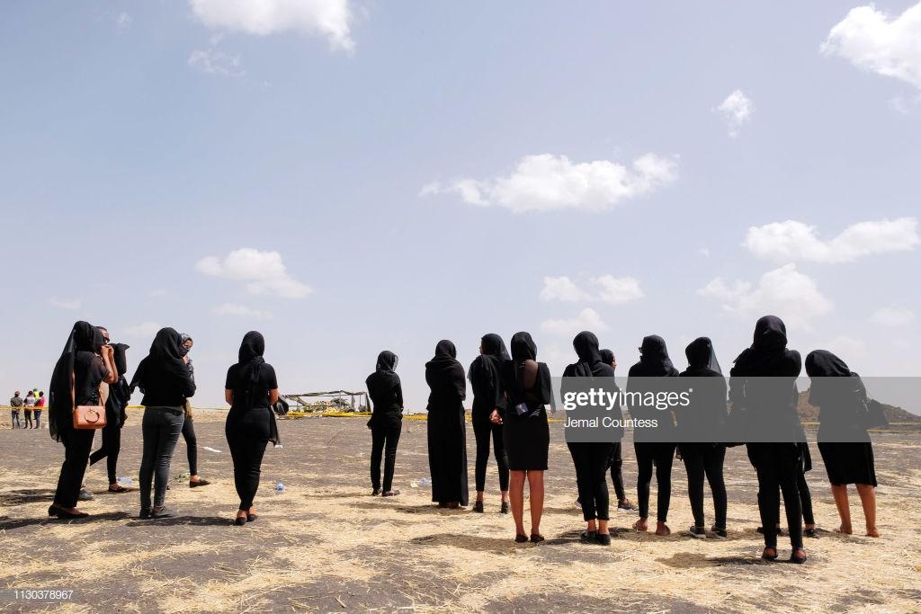 Ethiopian-Airlines-4-2 (28 Photos) Crash Ethiopian Airlines : Les familles des victimes sur les lieux de l'accident pour rendre hommage à leurs proches disparus.