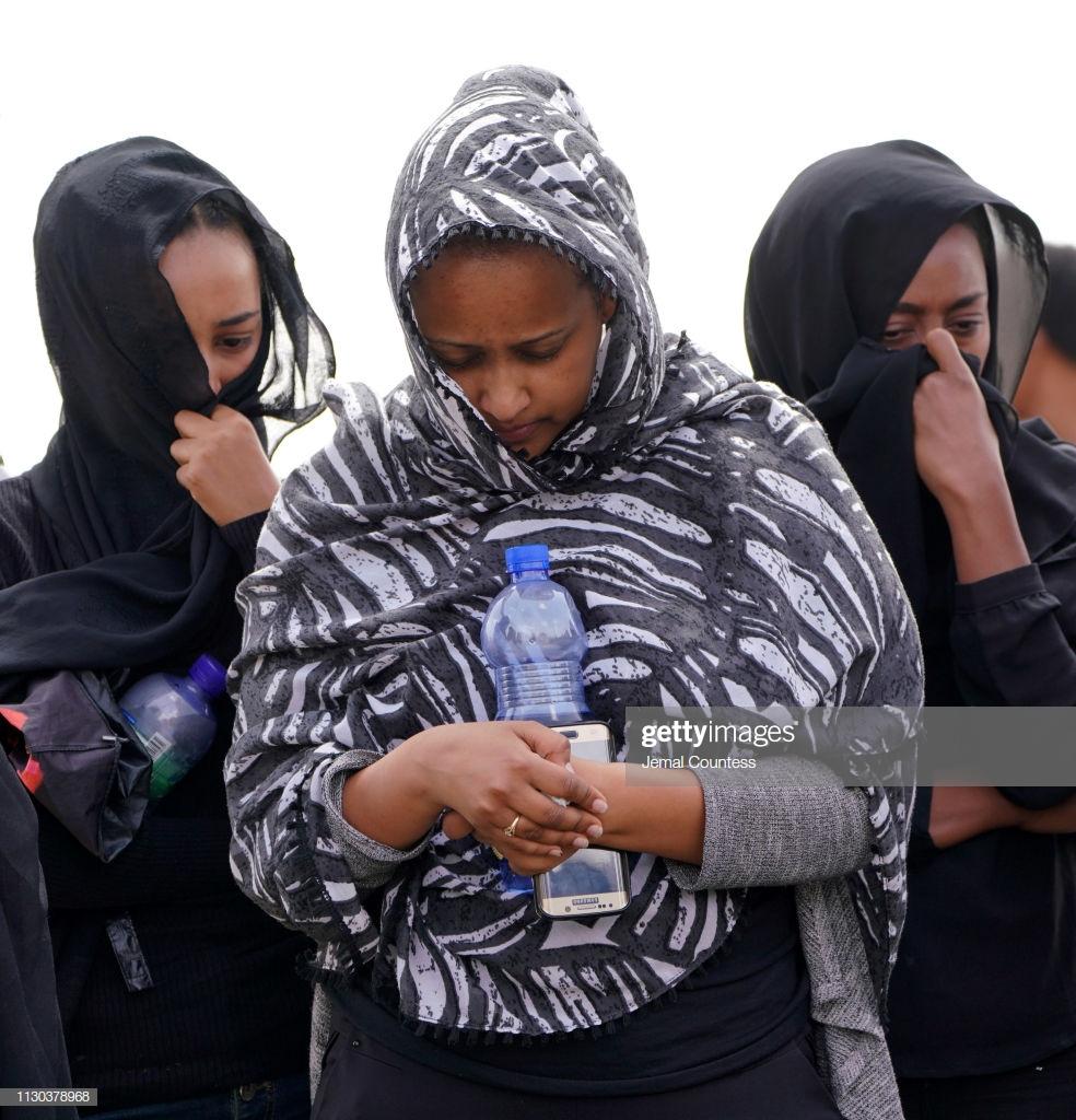 Ethiopian-Airlines-5-3 (28 Photos) Crash Ethiopian Airlines : Les familles des victimes sur les lieux de l'accident pour rendre hommage à leurs proches disparus.