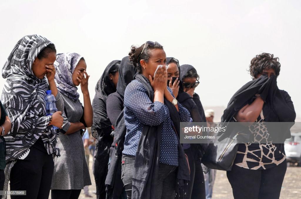 Ethiopian-Airlines-6-3 (28 Photos) Crash Ethiopian Airlines : Les familles des victimes sur les lieux de l'accident pour rendre hommage à leurs proches disparus.