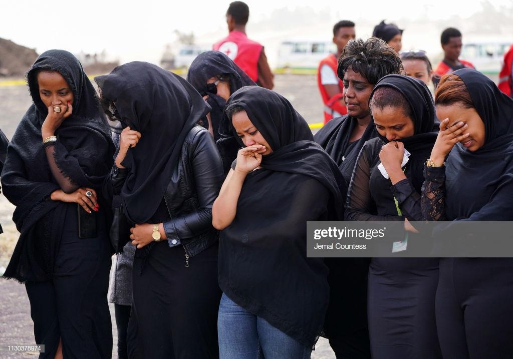 Ethiopian-Airlines-8-3 (28 Photos) Crash Ethiopian Airlines : Les familles des victimes sur les lieux de l'accident pour rendre hommage à leurs proches disparus.
