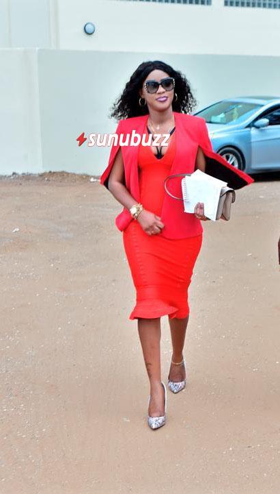 claraaa Indépendance - Clara Idoles sublime dans sa tenue rouge (photos)