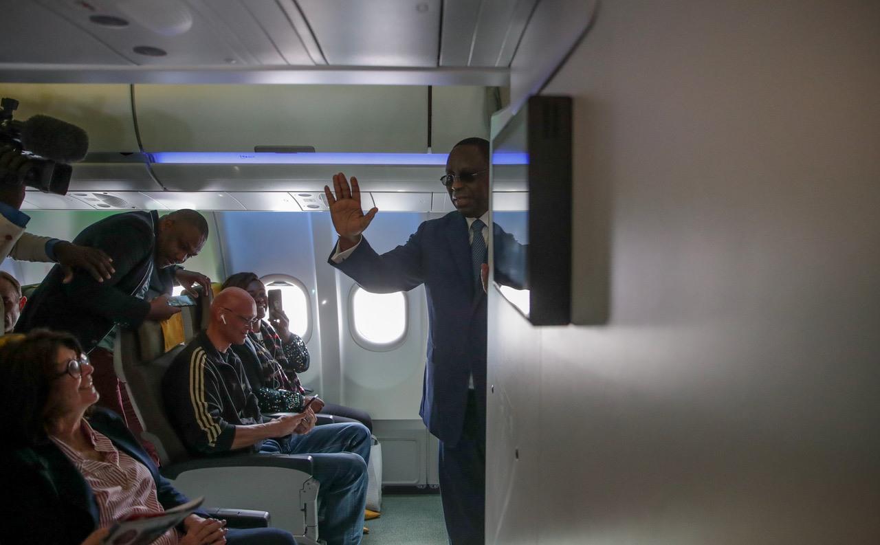 59974458_10157421376547867_3626436029851893760_o Macky Sall voyageant à bord d'Air Sénégal comme un client « normal » (photos) !