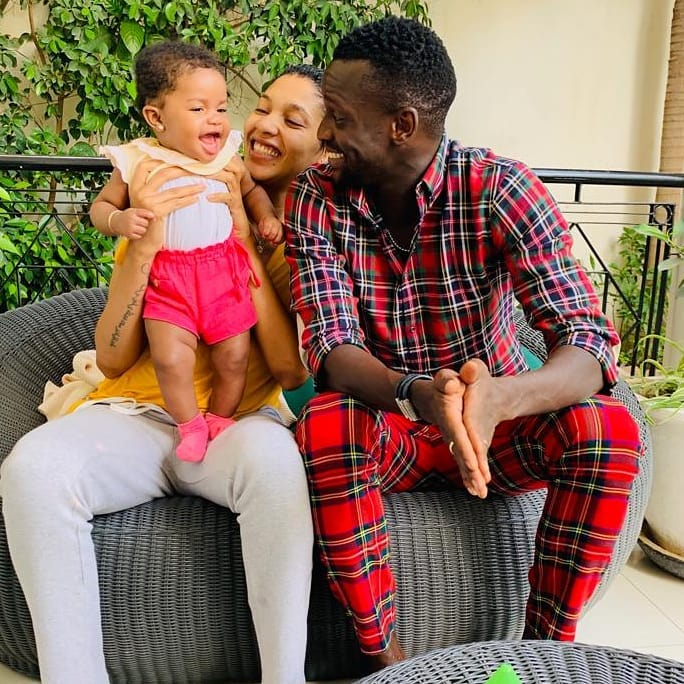 Adja-Diallo-2 Les nouvelles photos d'Adja Diallo, Toute heureuse avec Ibou Touré et son bébé