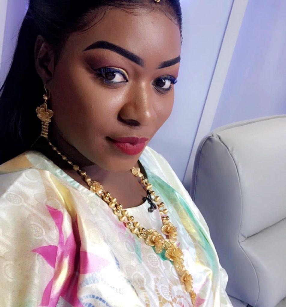 bijou-ndiaye-1-4-952x1024 La tenue de grande dame de Bijou au QG (Photos)