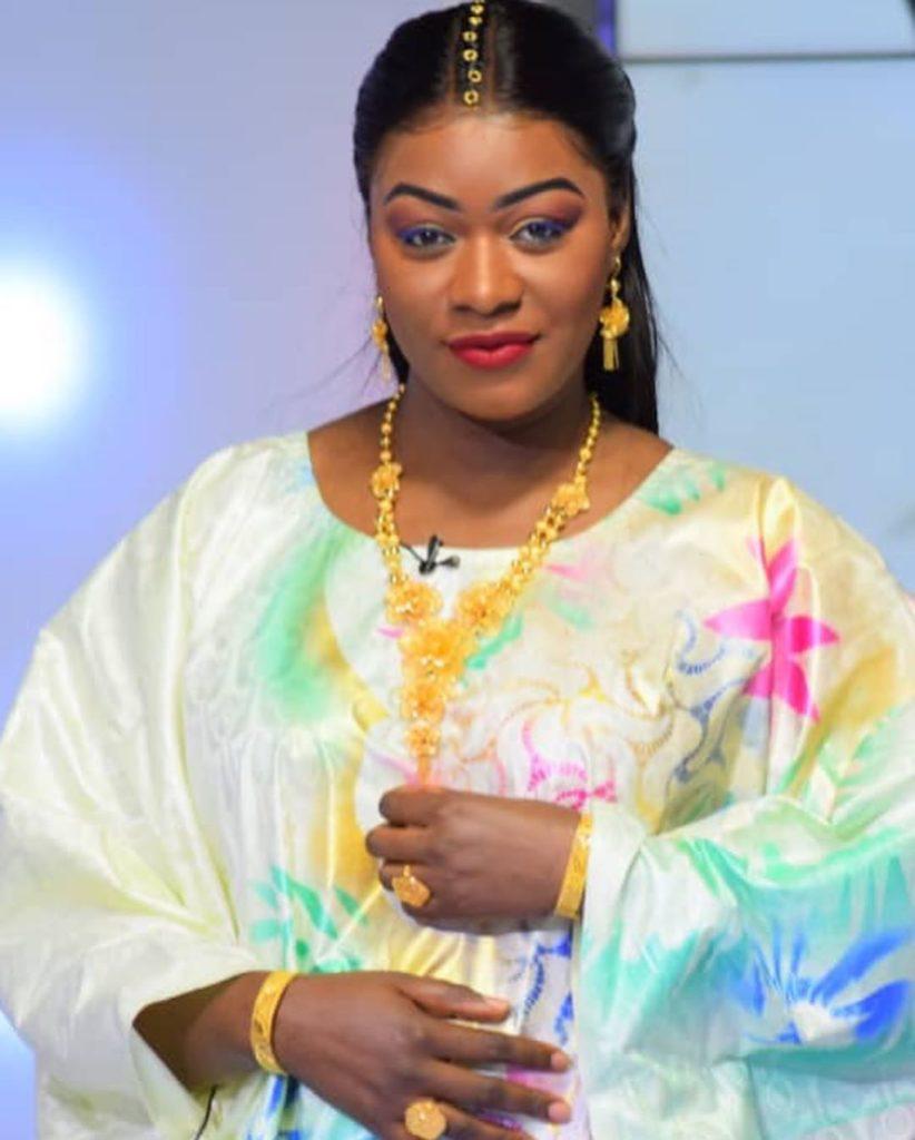 bijou-ndiaye-4-3-822x1024 La tenue de grande dame de Bijou au QG (Photos)