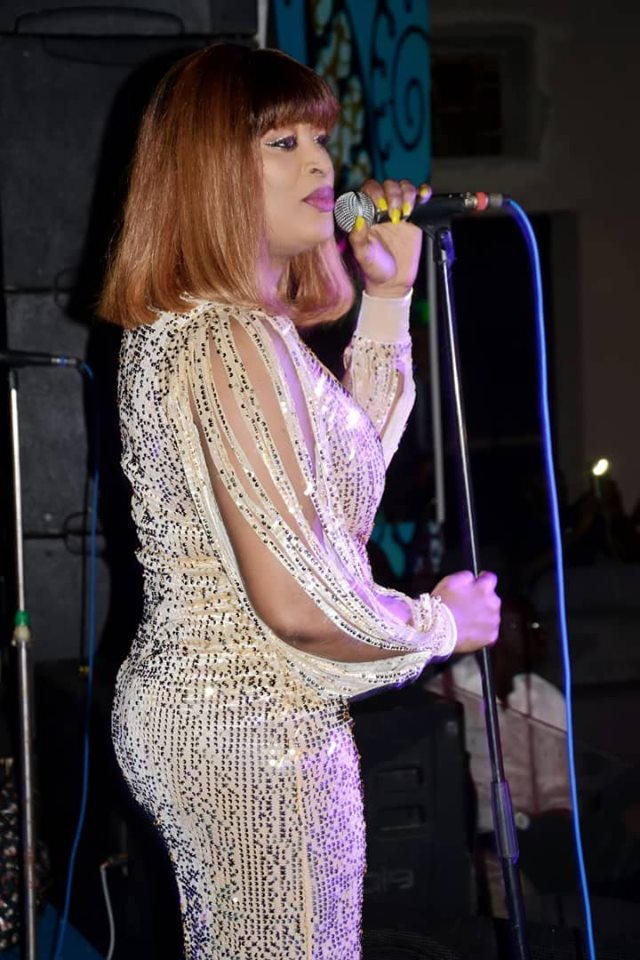 62215989_2286330234917135_316272466735398912_n-1 (12 Photos) : Soirée spécial Korité au « Saraba » Titi rayonne avec sa robe très classe