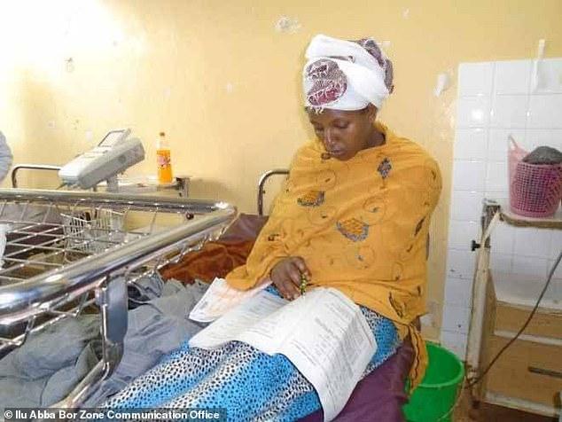 Almaz-Derese-4 Cette jeune femme passe ses examens 30mn après son accouchement