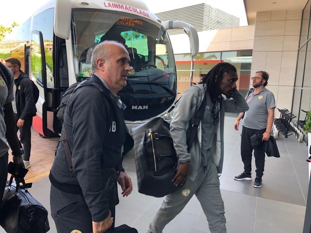 D8h17d3WsAEtj6H CAN 2019 -  Espagne: l'arrivée des hommes d'Aliou Cissé (photos)