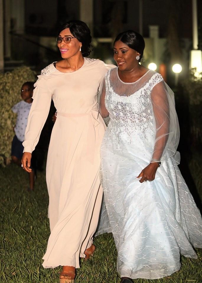 Lady-Sarjo-Barrow-7-1 L'anniversaire royal et les tenues de rêve de la Niarel d'Adama Barrow (Vidéo)