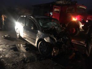 accident-6-300x225 Les terribles images du violent accident qui a fait 1 m0rt et 6 blessés à Pout