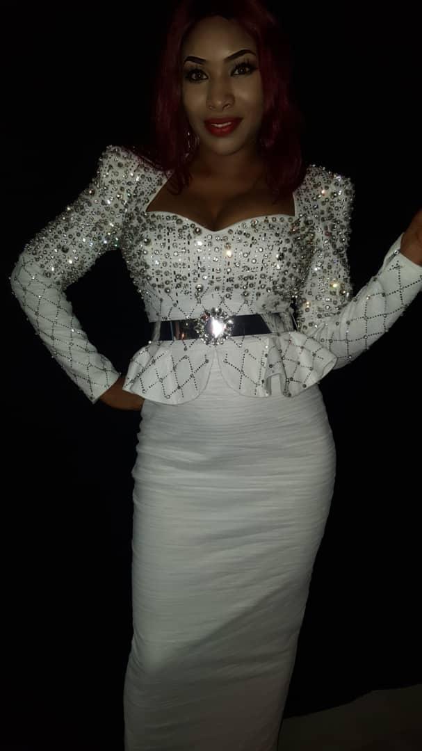 ebe62c7b-ecc5-46e2-83c8-240b9a69db54 Tabaski - la chanteuse Sadia débarque avec un magnifique tenue (photos)